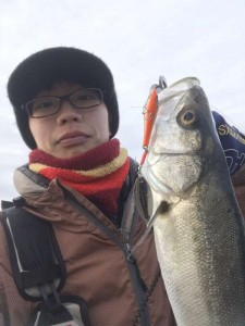 シーバス釣れてます♪ 2/18(土)神戸沖堤防釣果情報