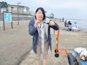 鳴尾浜公園でタチウオ好調、ハマチも出た