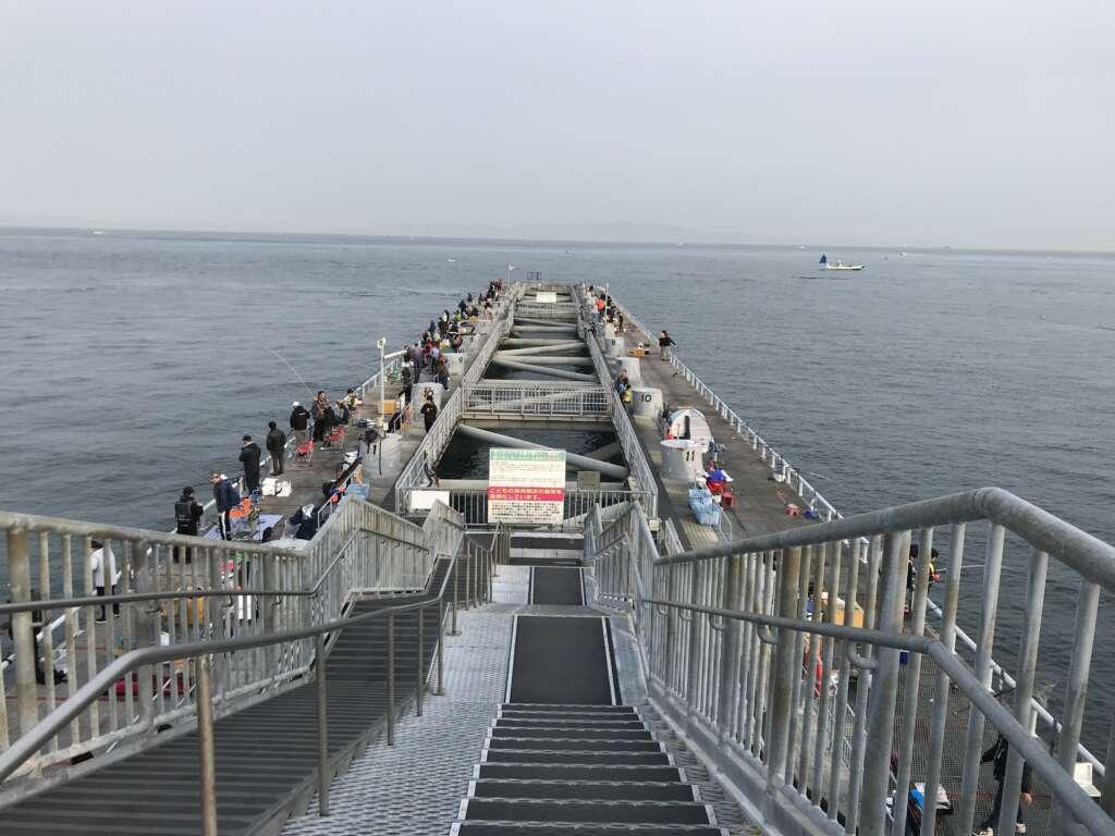 パーク とっ と 大阪の釣れる釣り場!初心者にもおすすめな海釣り公園【とっとパーク小島】